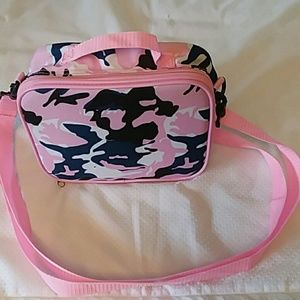 Pink camouflage lunch bag by Lilly.